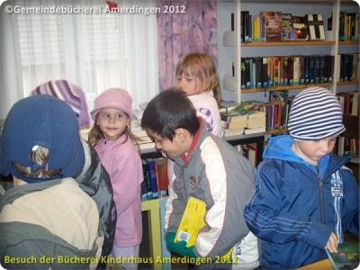Büchereibesuch des Montessori - Kinderhaus St. Vitus Amerdingen 10.10.2012_1