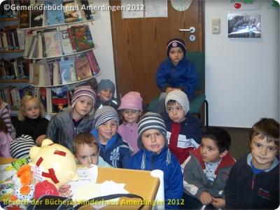 Büchereibesuch des Montessori - Kinderhaus St. Vitus Amerdingen 10.10.2012_3