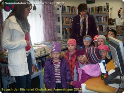 Büchereibesuch des Montessori - Kinderhaus St. Vitus Amerdingen 10.10.2012_6